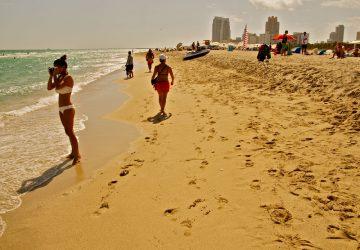 Strandleben und Art-Déco-Architektur