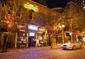 Hippe Bars und energiegeladene Clubs